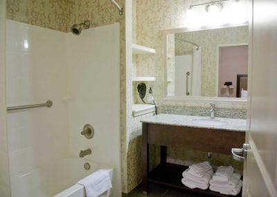Guest Room_bath